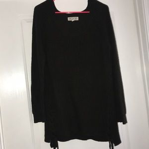 Pink Rose dark green long sleeved sweater